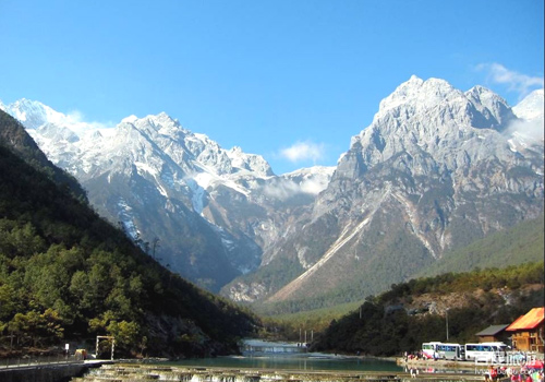 The Jade Dragon Snow Mountain is blessed with natural landscapes of subtropical, temperate zone and cold zone.