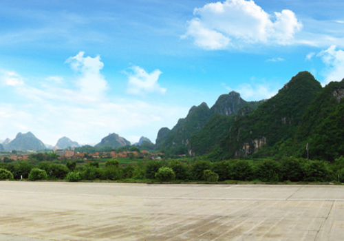 The whole scenic area of Yiling Cave is a karst landform and a wonderland with graceful peaks standing in great numbers.