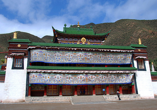 Grand Sutra Hall of Labrang Monastery in Xiahe,Gansu Province.