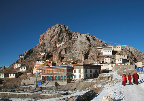 Zezhol Monastery is situated on the famous sacred Zezhol Mountain rising 4800 meters above sea level,at Dengqen County of Qamdo prefecture in Tibet.