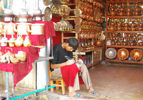 Ancient Art Street in Kashgar is famous for folk handicrafts.