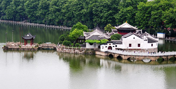Yanshui Pavilion / Water and Mist Pavilion