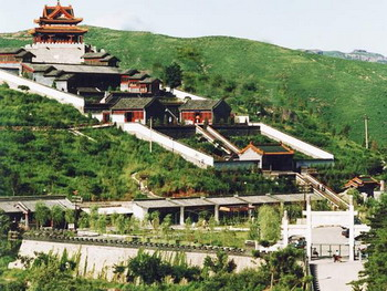 Imperial Summer Villa (Bishu Shanzhuang) & Mountain Resort and Outlying Temples