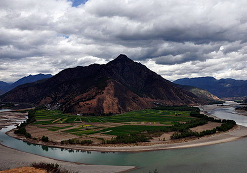 The First Bend of the Yangtze, the beautiful landscape by nature.