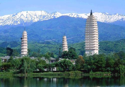 The graceful and forceful three pagodas of Chongsheng Temple,Dali