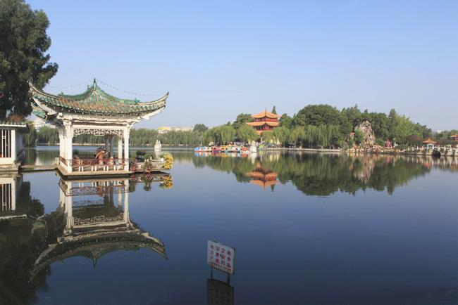 Daguan Park of Kunming is popular with local people.