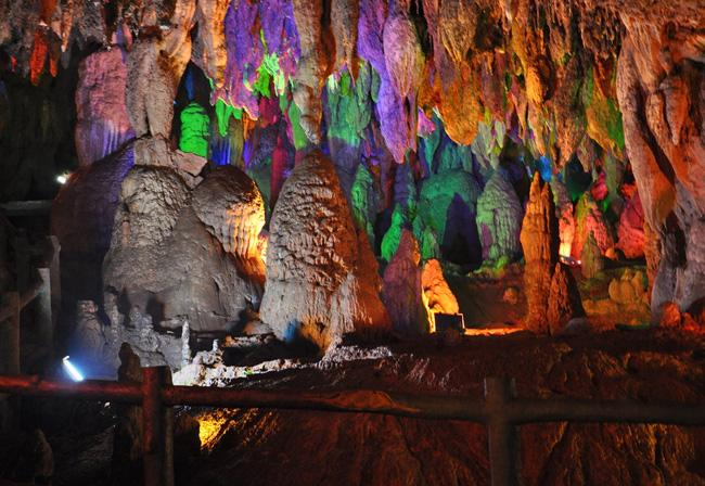 The marverlous scene in the cave, Jiuxiang of Kunming