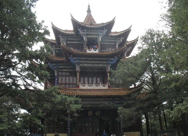 Golden Temple of Kunming acquired the name for its shinning golden appearance.