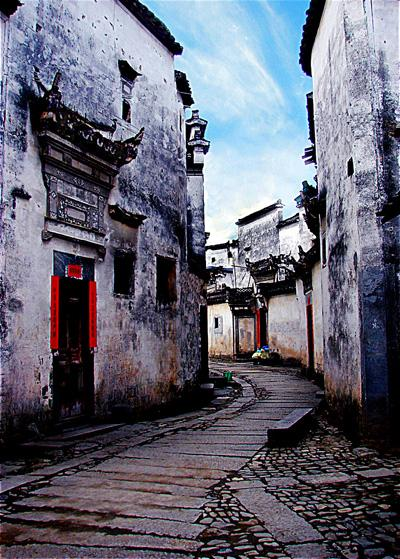 The ancient lanes of Nanping Village, Huangshan