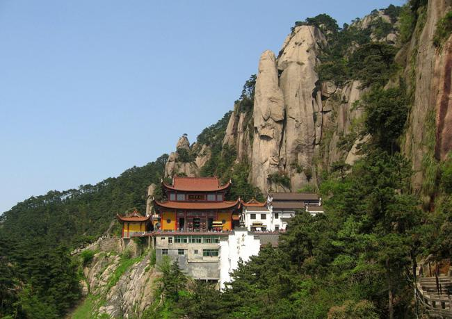 The Baisui Temple of Jiuhua Mountain