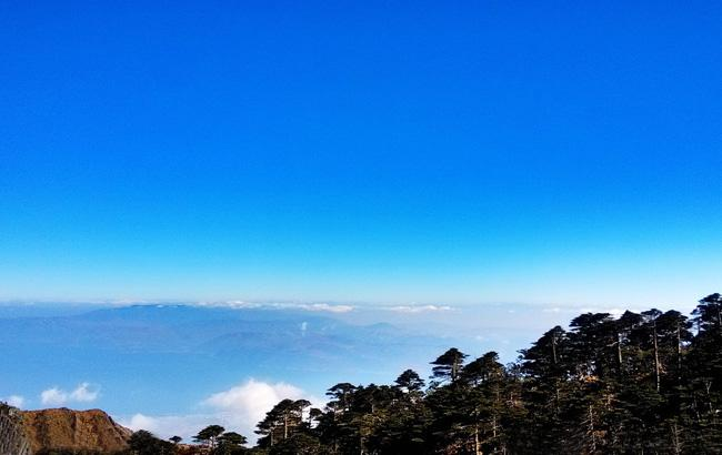 A marvelous view attained on the Cangshan Mountain, Dali