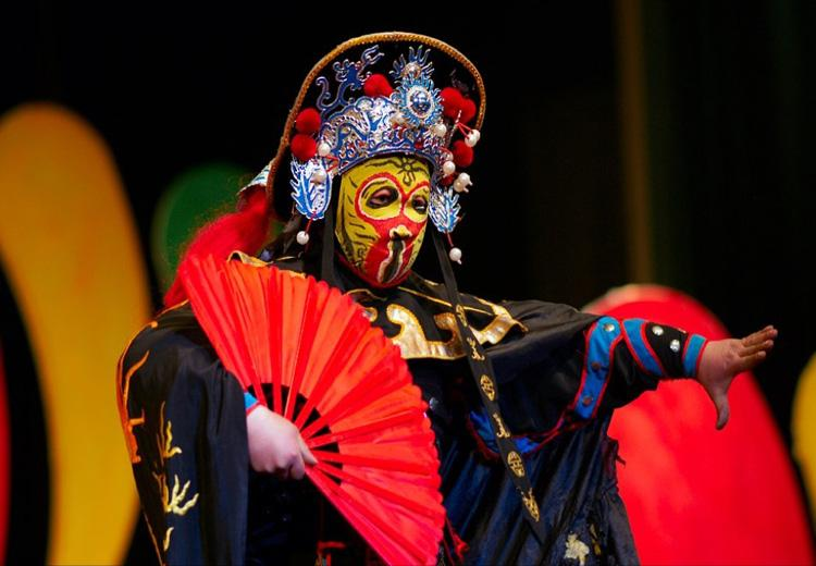 Face Changing Performance in Sichuan Opera, Chengdu