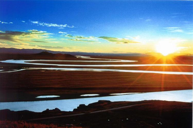 Sunrise at The First Bend of Yellow River