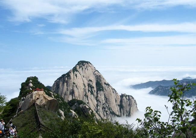 The beautiful view of Huashan Mountain in Xi'an.