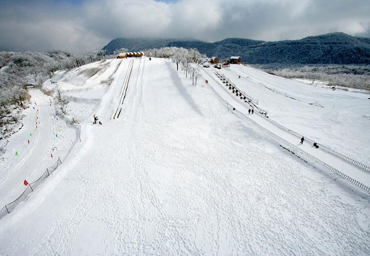 Ski Trail at Xiling Snow Mountain Ski Resort, Chengdu