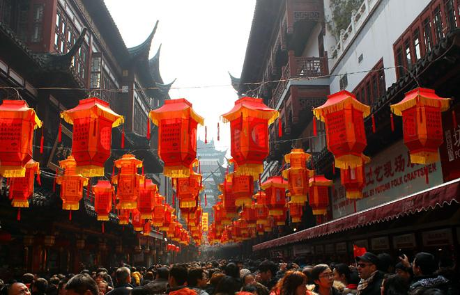 The Old Street of Shanghai has witnessed the historical chnages of the city.