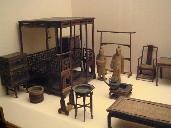 A mini household decoration model in Shanghai Museum.