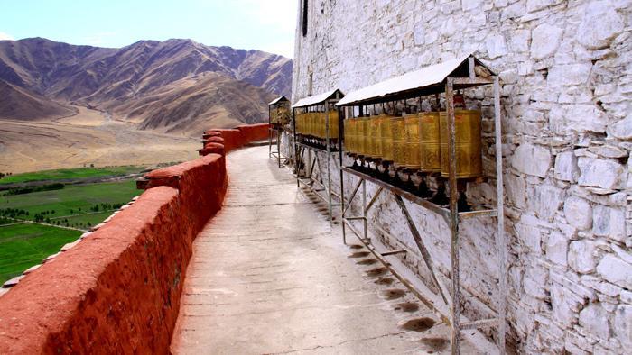 Yungbulakang Palace Lhokha Lhokha Attraction