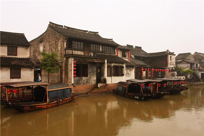 Xitang is renowned for its cobblestone streets and mud-brick houses.