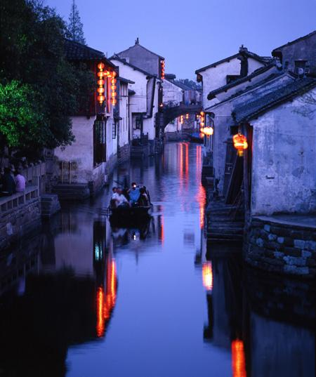 A beautiful night view of Zhouzhuang.