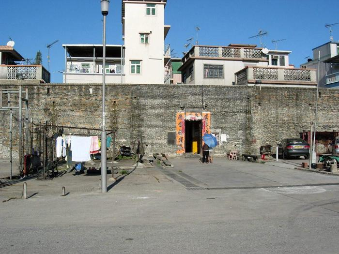 The walled villaged is characterized by defensive walls which has witnessed the past of Hong Kong.