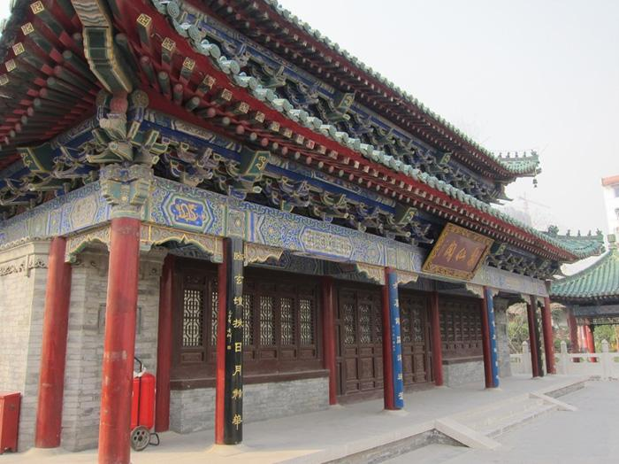 Temple of the Eight Immortals is the largest and best-known Taoist temple in Xi'an.