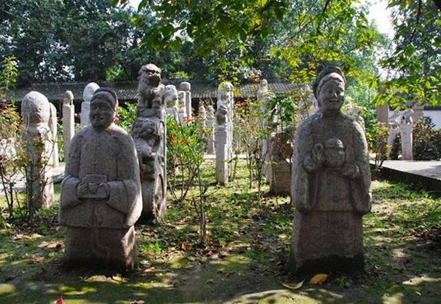 The stone statues of the Small Wild Goose Pagoda in Xi'an Museum