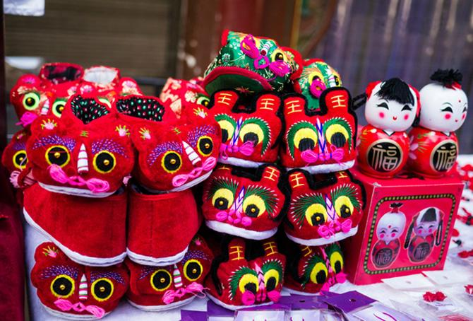 The handicrafts of Chinese characteristic sold in Muslim Street, Xi'an
