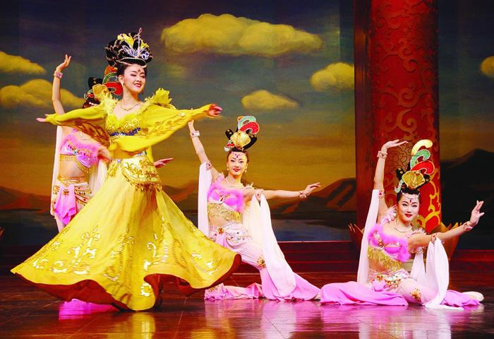 The amazing dances of Tang Dynasty Dinner Show, Xi'an
