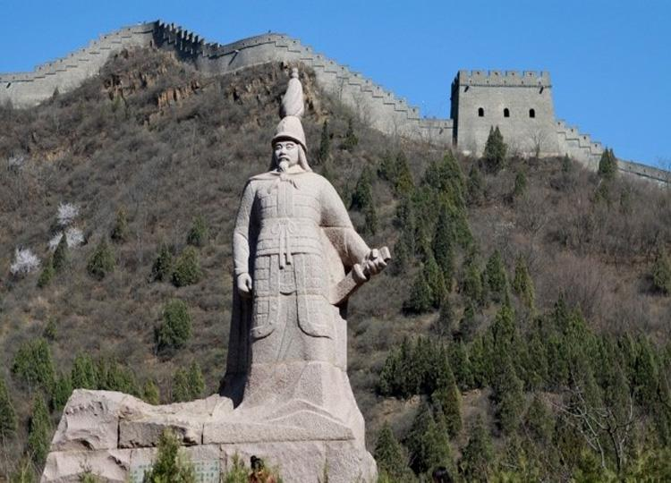 Statue of Qi Jiguang on Huangyaguan Great Wall in China's Tianjin