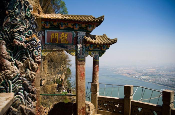 Dragon Gate (Longmen) Grotto is the most spectacular and extraordinary part of West Mountain.