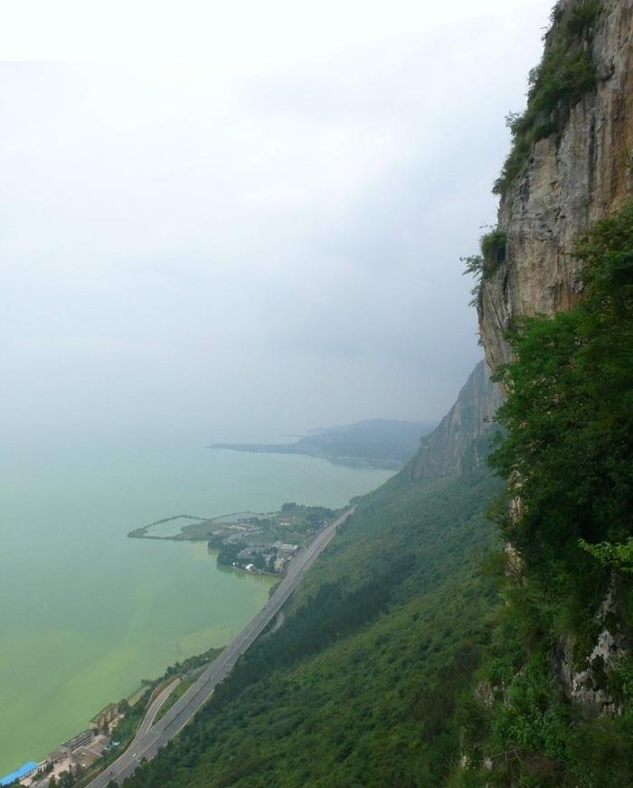 The precipice of West Hill, Kunming