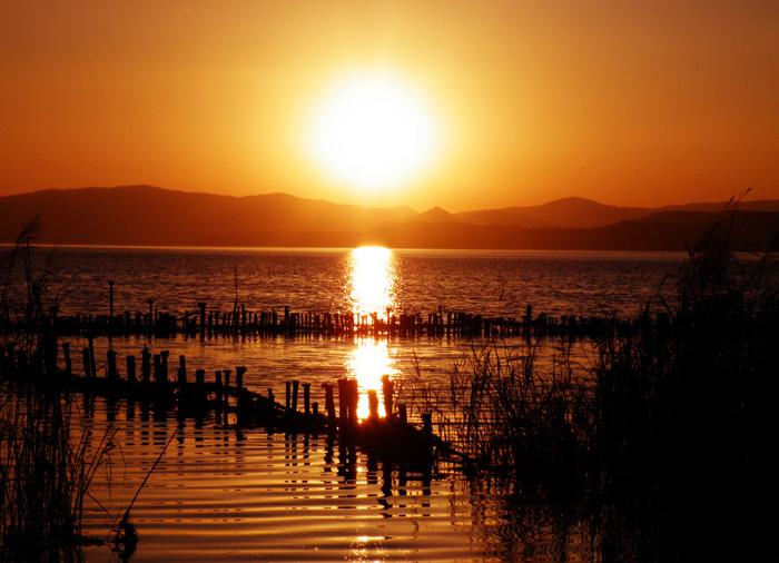 Amazing view of Dianchi Lake at sunset, Kunming