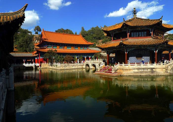 A beautiful view of Yuantong Temple