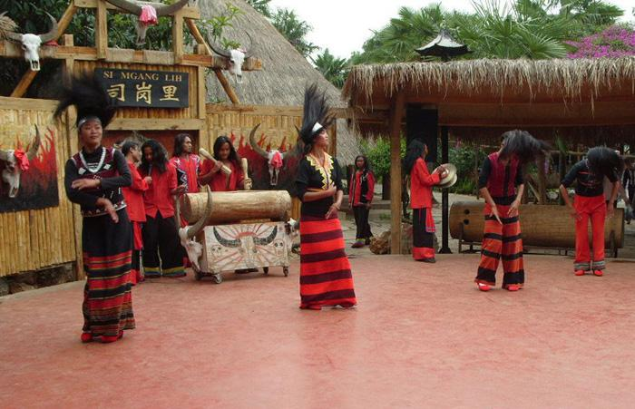The ethnic performance in Yunnan Ethnic Village