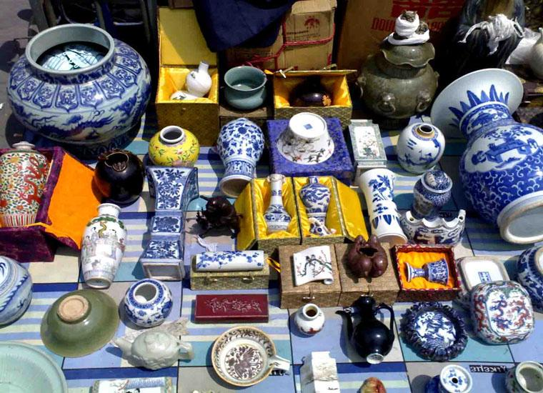 Porcelains Sold at Liulichang Cultural Street,Beijing