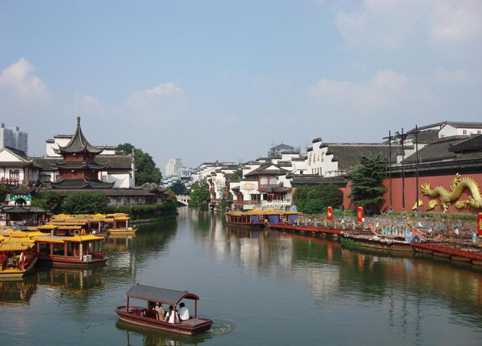 Qinhuai River is the cradle of the Nanjing civilizations which nurtured the earliest ancestors in the area.