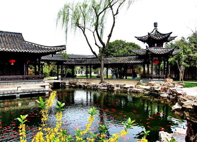 The elegant scene of Ge Garden with classical corridor on water