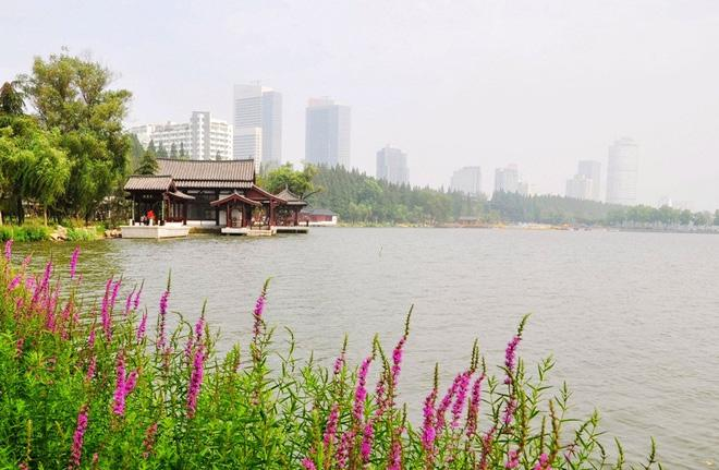The beautiful scenery of Taihu Lake