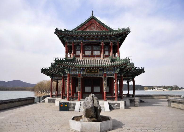 Main Building of Jingming Towers along the Waterway of Empress Dowager Cixi