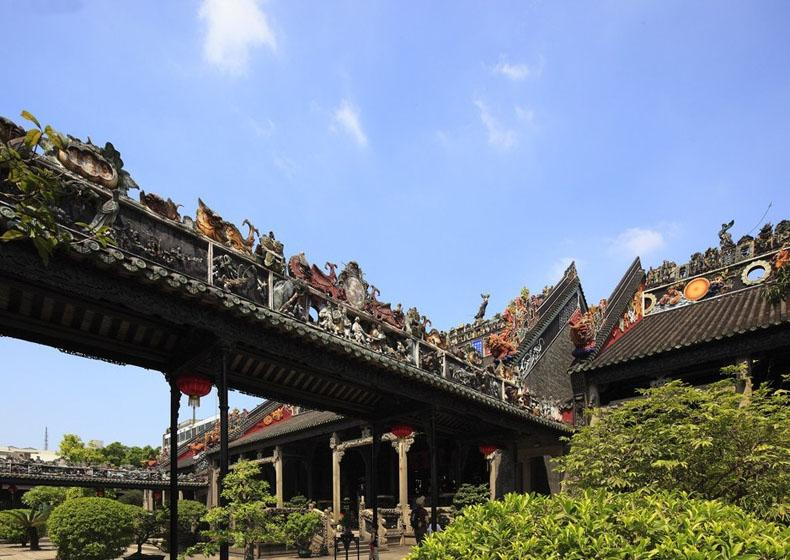 Ancestral Temple of the Chen Family is Connected by Corridors