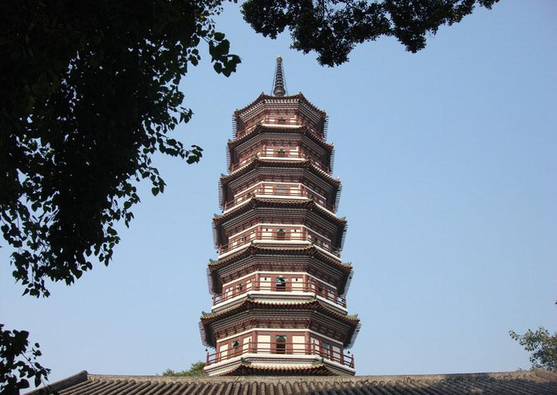 Flowery Pagoda is the Most Eye-catching Part of Temple of Six Banyan Trees Scenic Area, Guangzhou