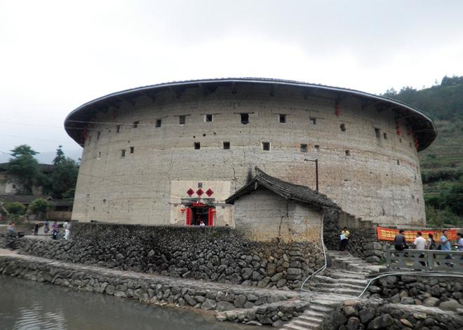 Yuchanglou is the existing largest and oldest round earthen building in Nanjing of Xiamen.