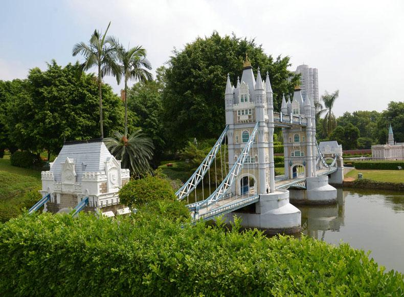 Replica of London Tower Bridge in the Window of the World, Shenzhen