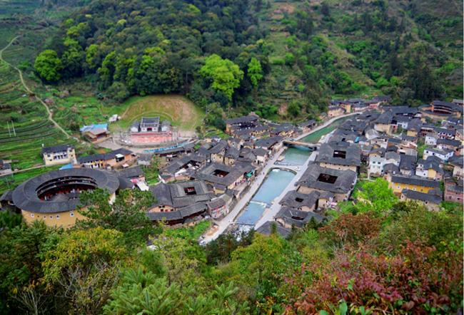 Taxia Village is an exquisite Hakka village located in a valley.