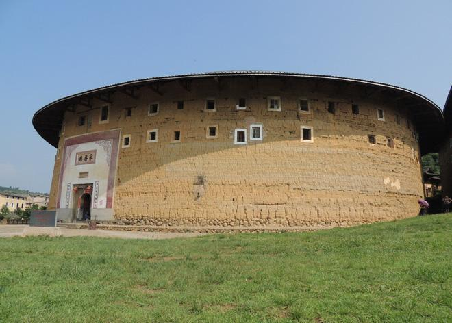 A side face of Chengqi Earthen Building