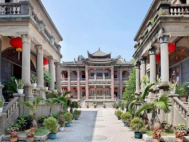 Hi Heaven is the largest old villas on Gulangyu Island.