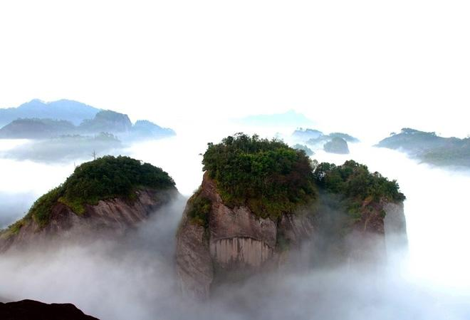 The amazing sea of clouds in Wuyi Mountain