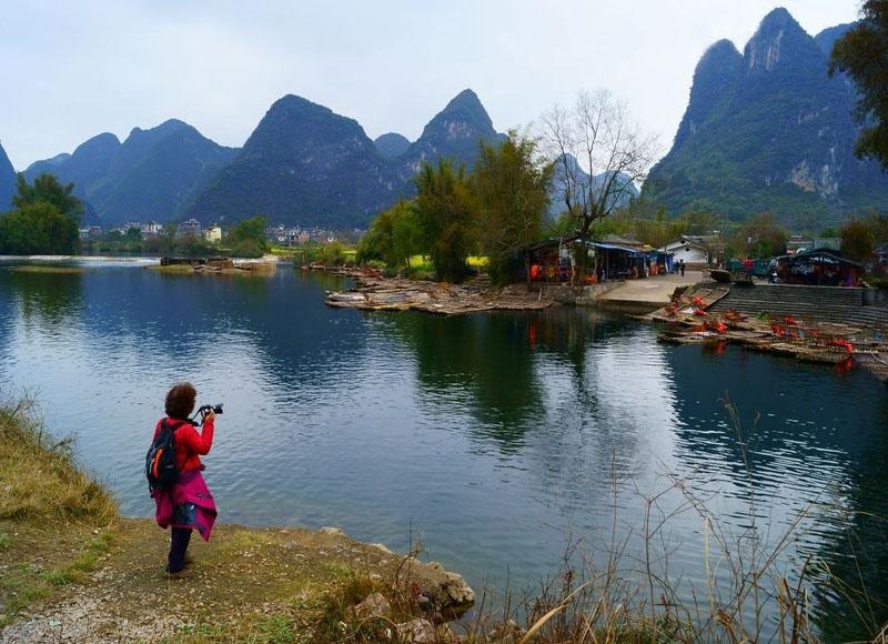 Yangshuo Yulong River is a good place for photographing in China