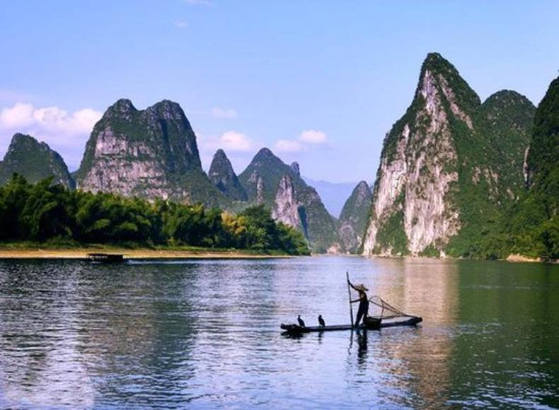 Scenery around Yellow Cloth Shoal in Xingping Landscape Area of Yangshuo